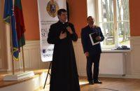 Palangos miesto garbės piliečių regalijos įteiktos V. B. Litvaičiui ir D. Puodžiui